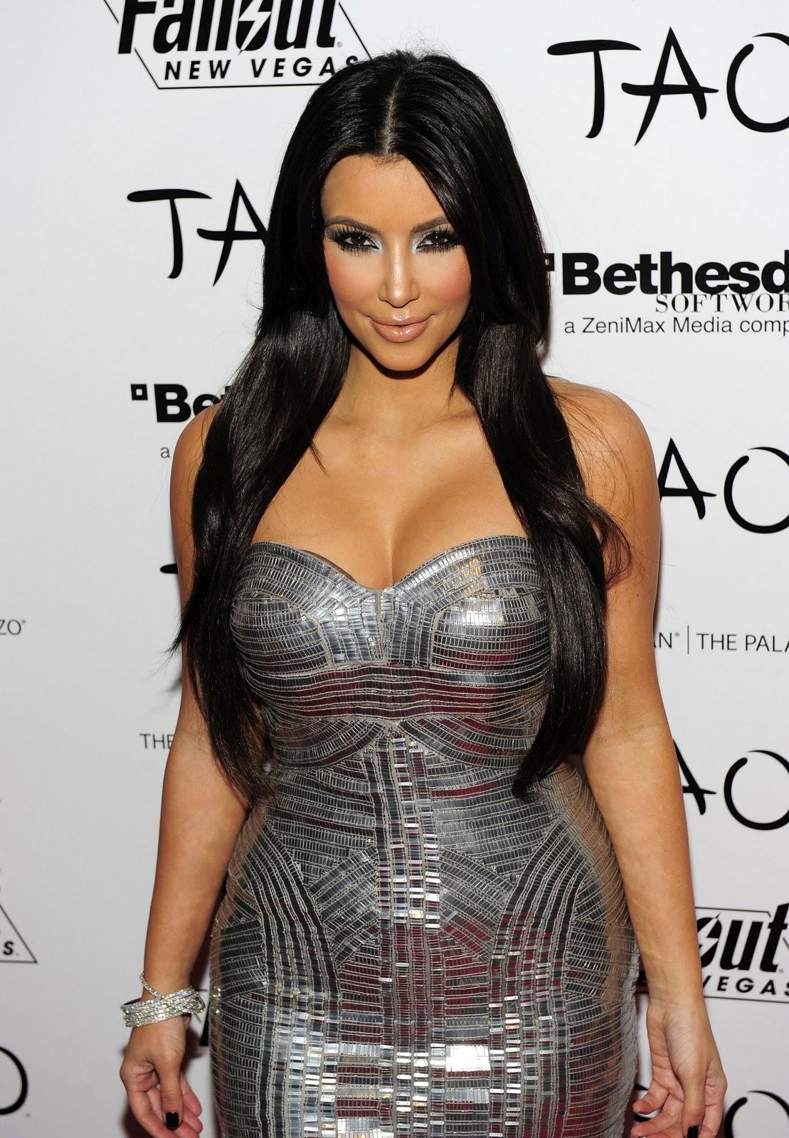 http://3.bp.blogspot.com/_hv8J7VEOAVE/TLqYx24tIpI/AAAAAAAAAHk/TQZ6nriYv5g/s1600/Kim-Kardashian30_ReSiDuO+%283%29.jpg