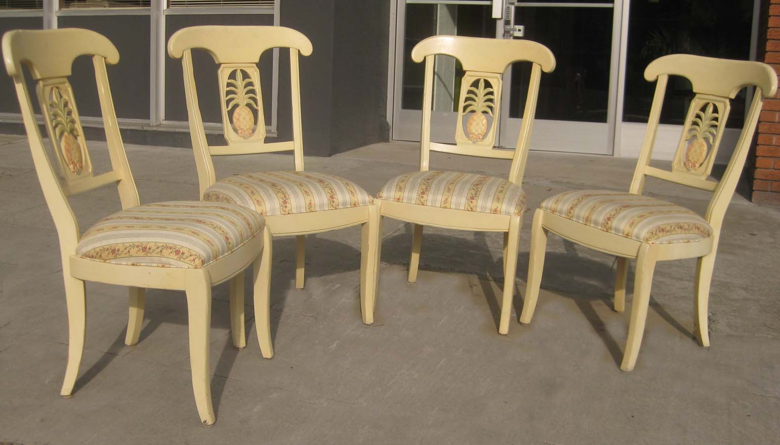 Uhuru Furniture Collectibles Sold 4 Dining Chairs 90