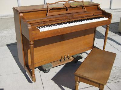 Uhuru Furniture Pianos For Sale