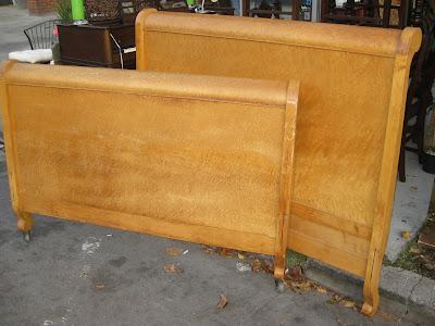 Uhuru Furniture Collectibles Sold Birdseye Maple Full Bed Frame 125
