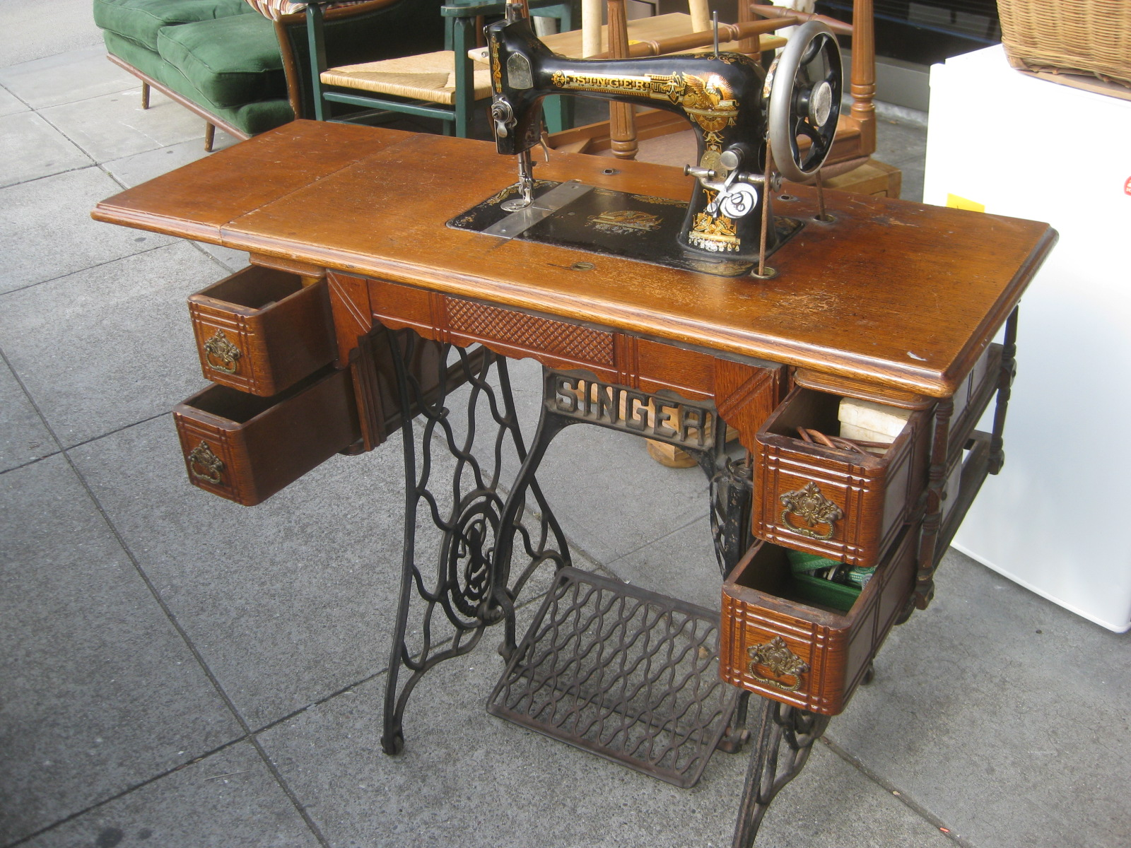 antique vintage singer sewing machine