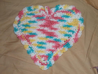 Crochet Geek : Crochet Magic Heart Potholder