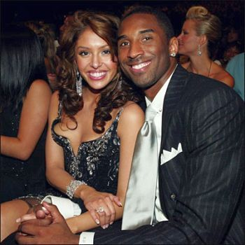 "The ""house on a finger"" -. Vanessa and Kobe Bryant"