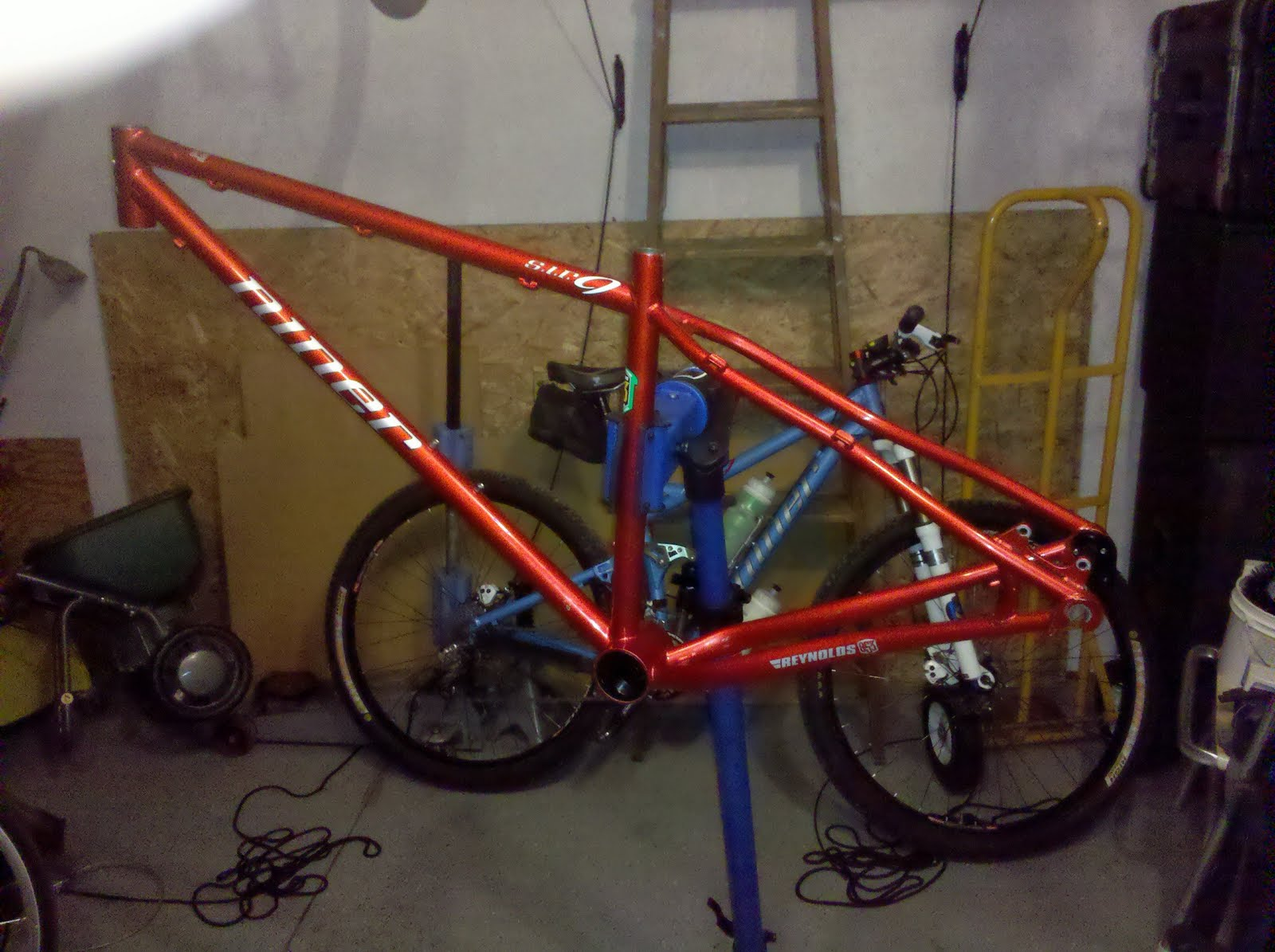 Niner SIR 9... (SIR9 bike build) | BBC Worldwide News