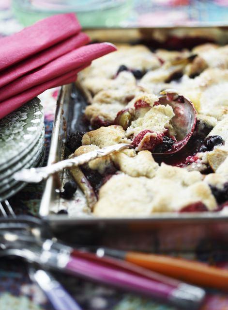 mandelkage med bær