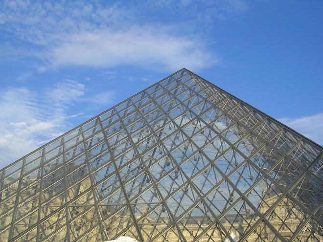 I worship Pyramides