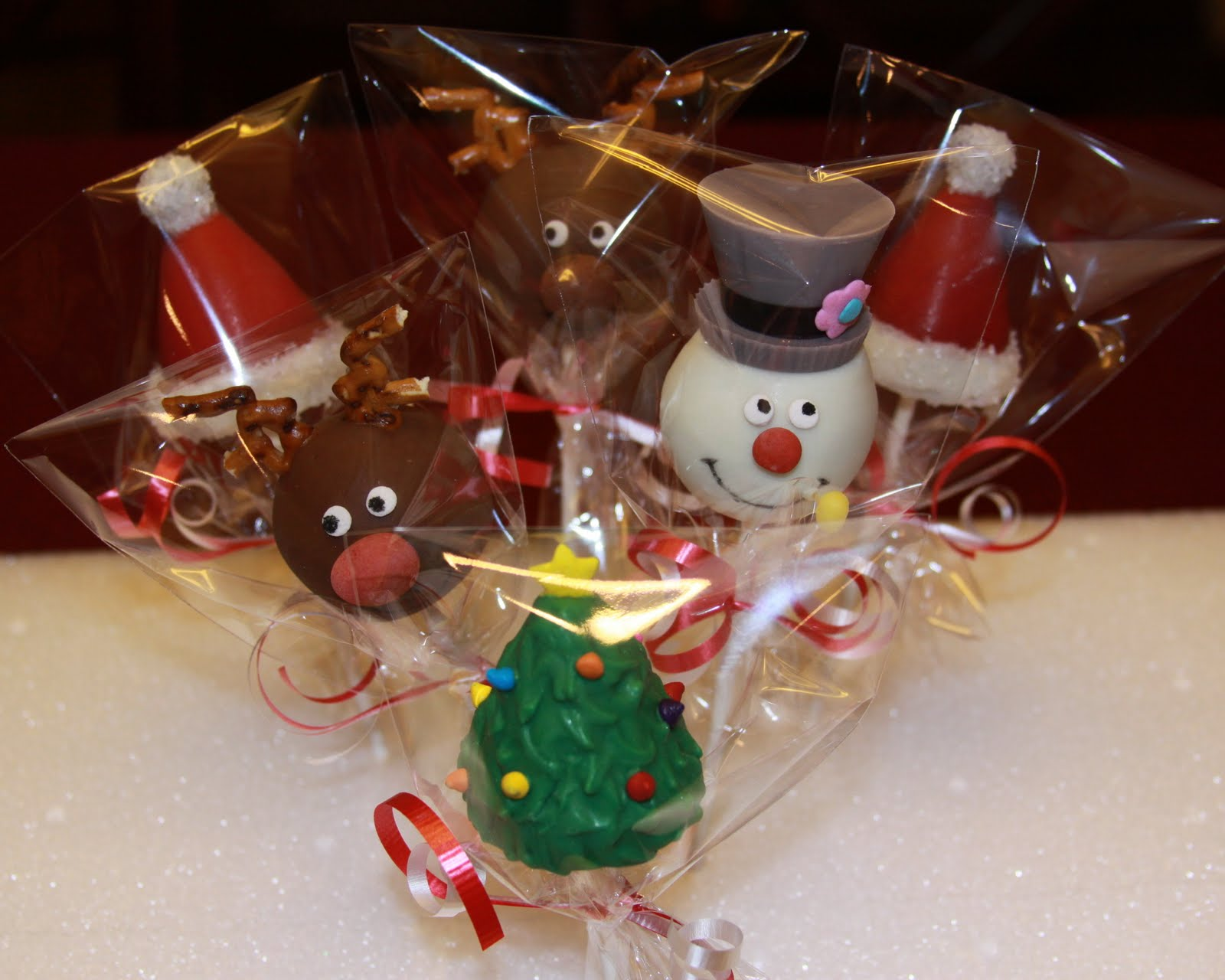 cute christmas cake pops