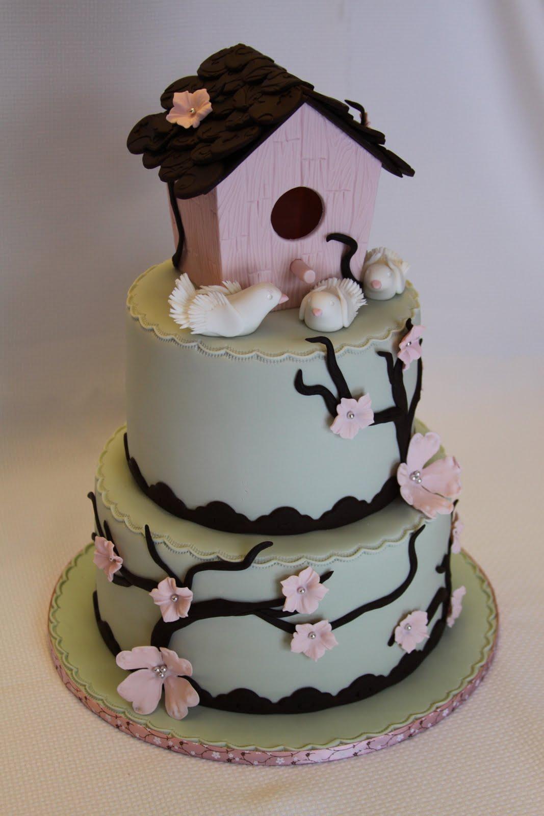 .: Birdhouse Housewarming Cake
