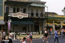 Disneyland Town Square