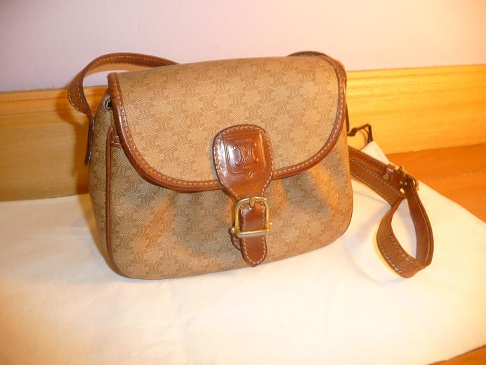3e4c0f79103 Authentic Celine Leather sling bag (SOLD)