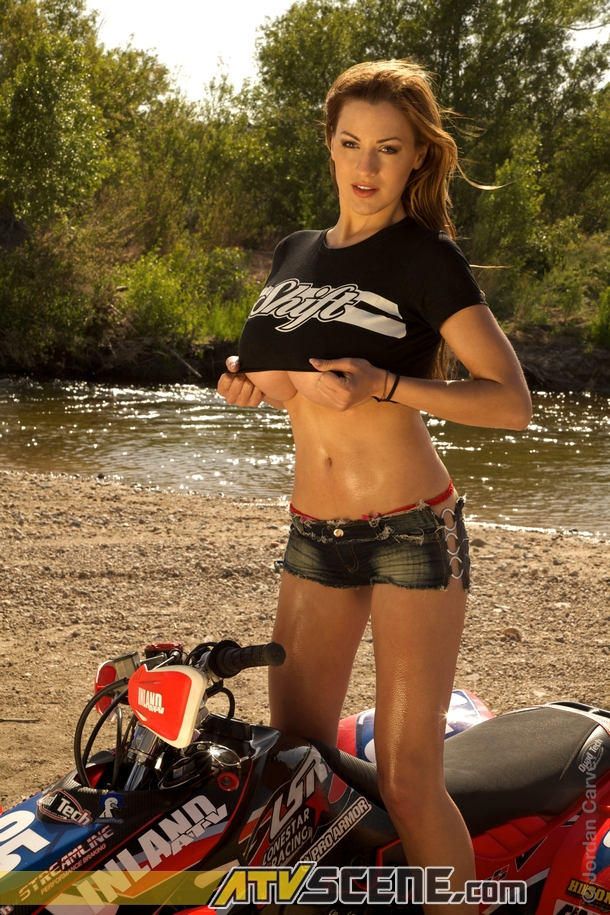 Jordan Carver - German Big Breast Model Hot Pictures
