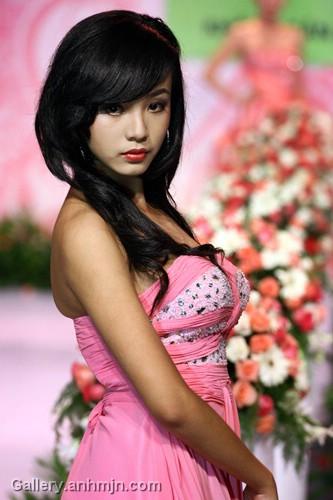 Le Hoang Bao Tran - Gorgeous