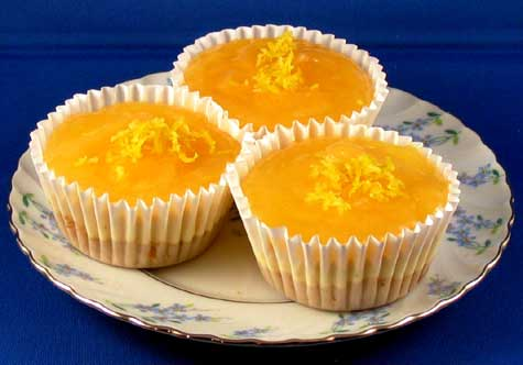 Tanya`s Sweets and Treats: Mini lemon cheesecake 6 SR each