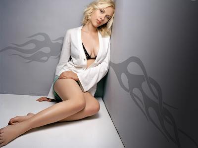 Scarlett Johansson sexy Hollywood Actres