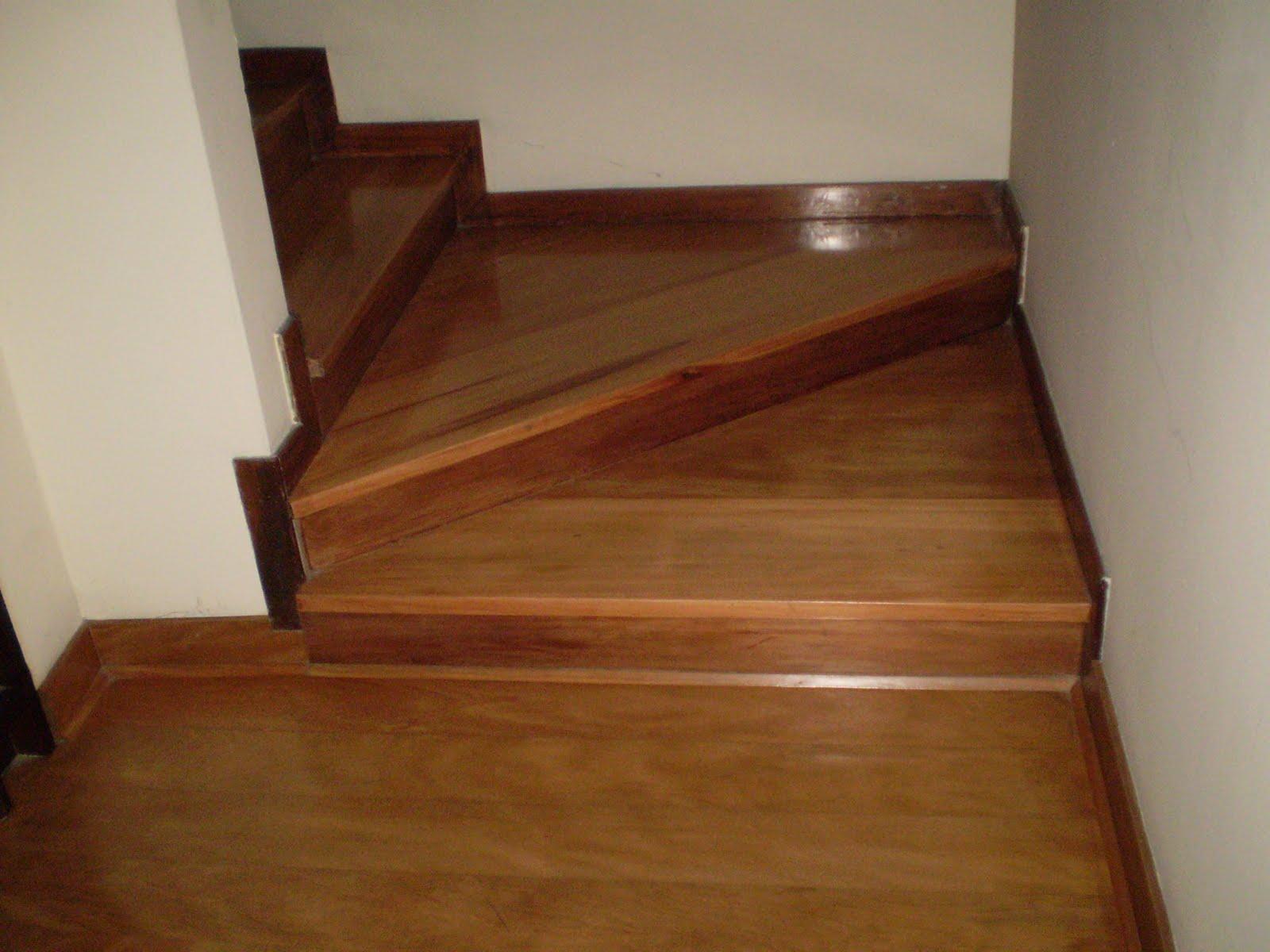 Pisos mick escaleras y pasos de escalera for Escalera de madera 5 pasos