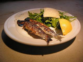 Cuisine et traditions judeotunisiennes barbecue et sardines grillees - Sardine grillee au barbecue ...