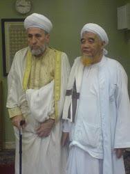 Syeikhuna Sidi Yusuf Muhyiiddin Riq Al Bakhour Al Hasani bersama Syeikh Abdul Aziz