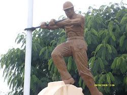 Monumento al trabajador petrolero.Campamento Vespucio