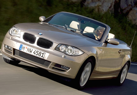 2007 BMW 1 Series 118i Convertible Front Angle