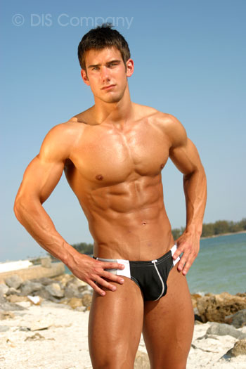 [Kevin_Gould_Male_fitness_model.2.jpg]