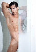 Alan Valdez shower