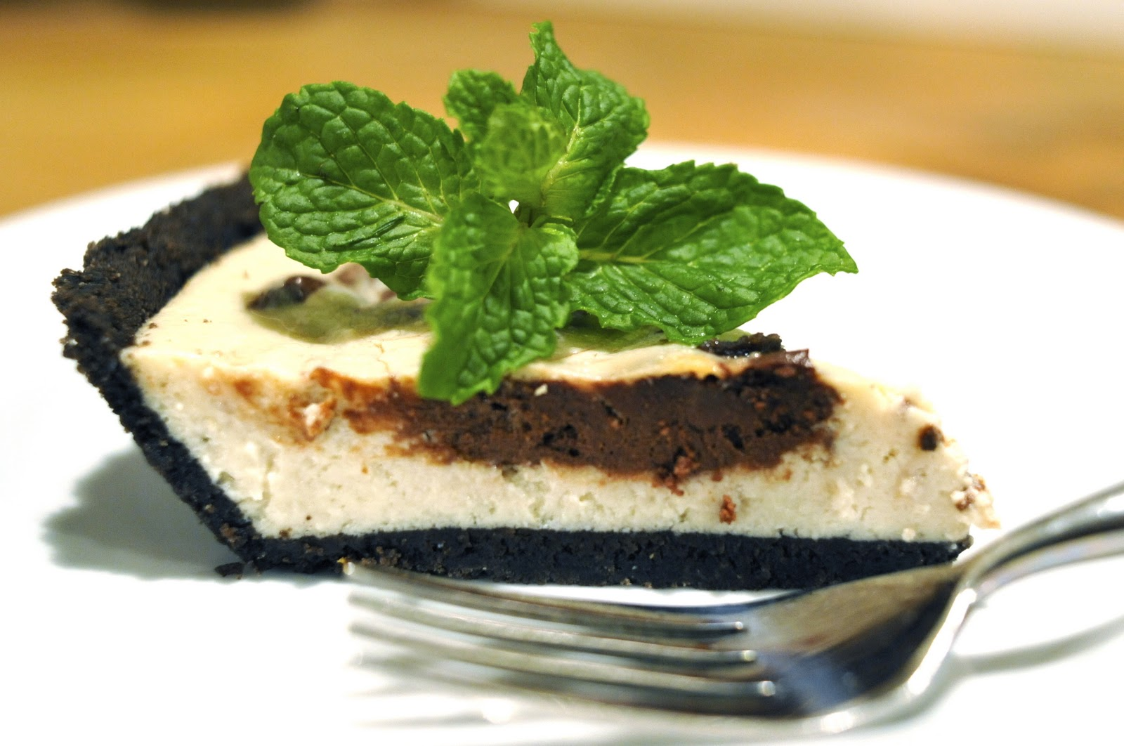 Vegan Good Things: Sweet Utopia's Mint-Chocolate Swirl Cheesecake