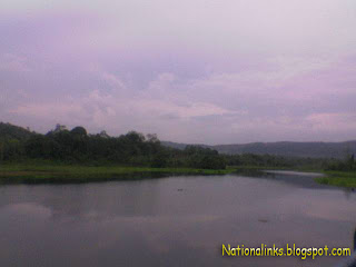 Sungai di Karang Intan