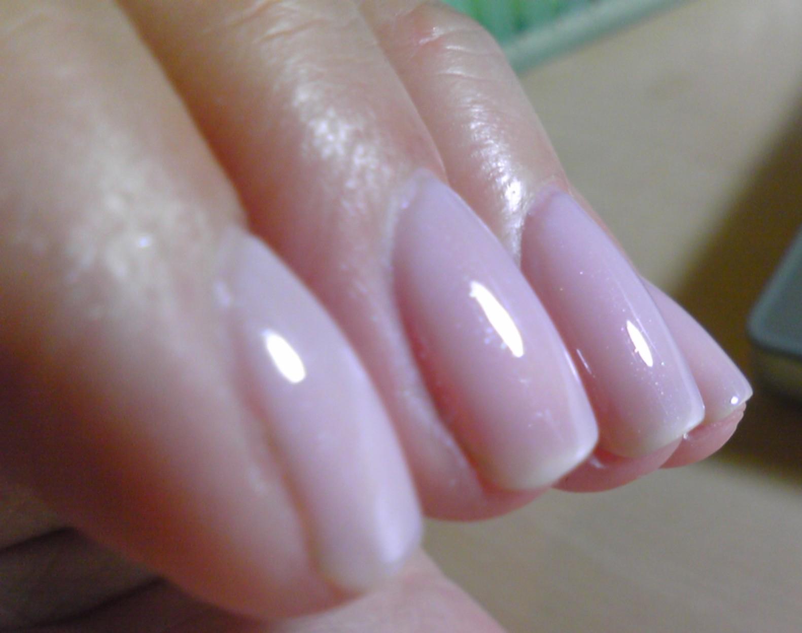 Polish or Perish: Congrats Noodle! Graduation Nails - Essie Vanity ...