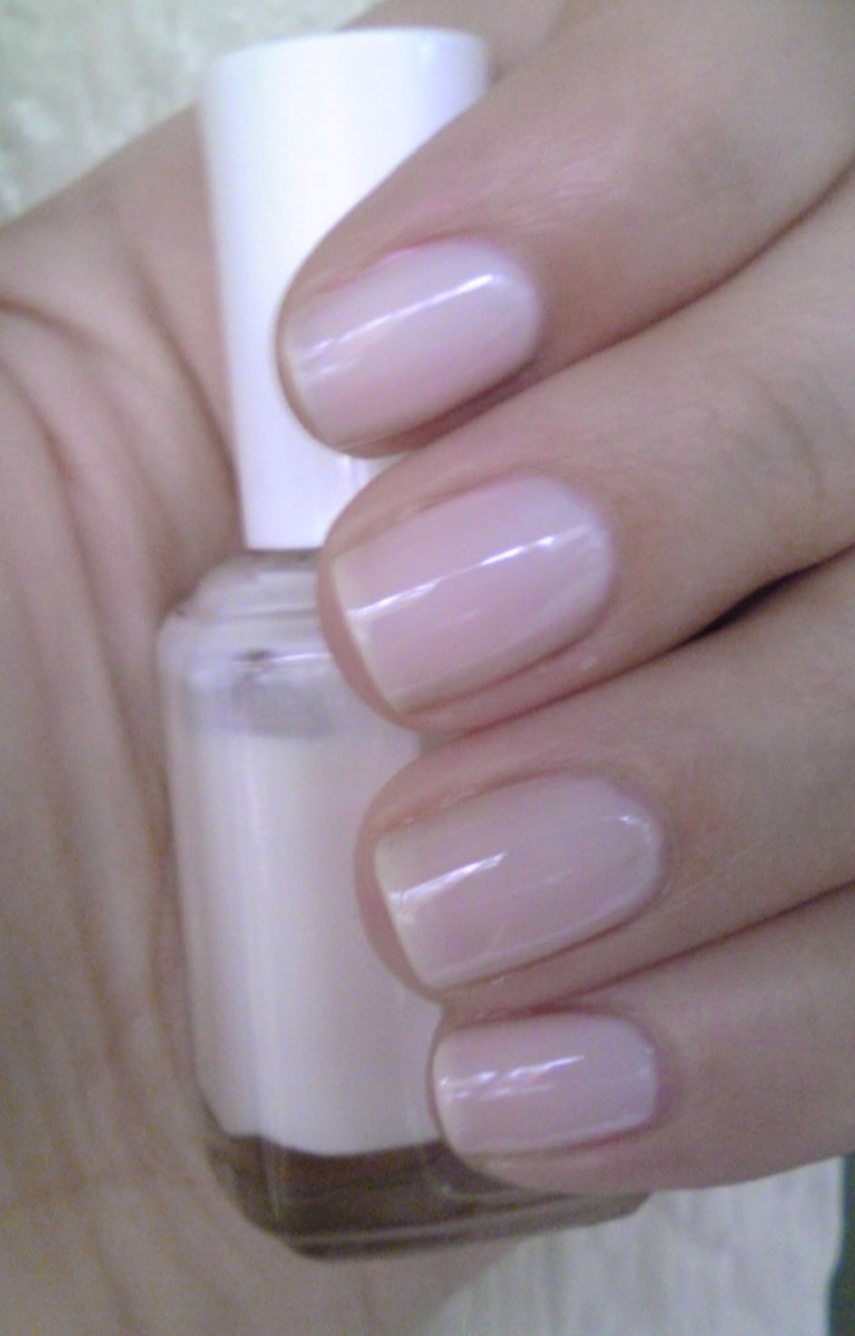 Polish or Perish: My Pink Kick Continues: Essie It\'s In the Bag