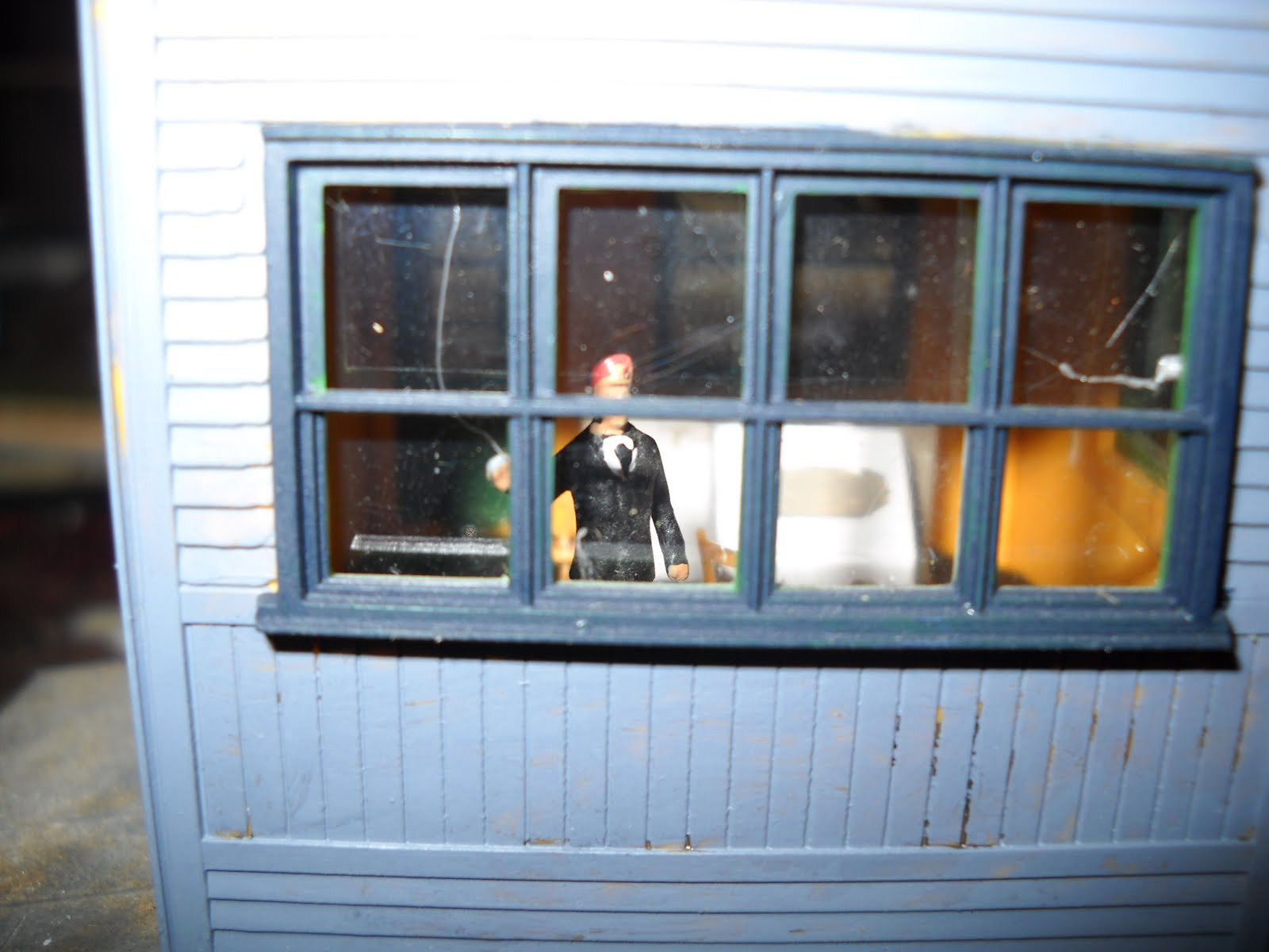 Small rails simple ho scale interior detailing - Printable ho scale building interiors ...