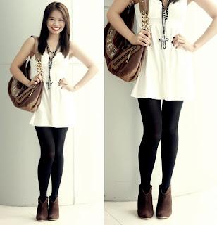Combinar vestido blanco con medias negras
