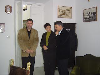 El Alcalde con Evangelina y Demetrio en la Alcaldía