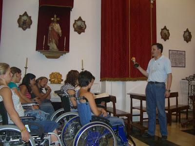 Eduardo Heras, Hermano Mayor de la Hermandad de Nuestro Padre Jesús, en un momento de su charla