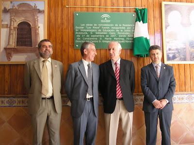 De izq.a dcha.: Delegado Educación, Viceconsejero Educación, Director del Centro y Alcalde de Constantina