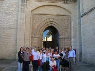 En la puerta del Monasterio de San Isidoro del Campo en Santiponce