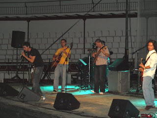 Asignatura Pendiente en concierto en la Plaza de Toros de Constantina