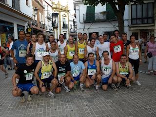 Algunos de nuestros corredores locales minutos antes de comenzar la prueba