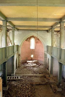 Biserica din Iacobeni