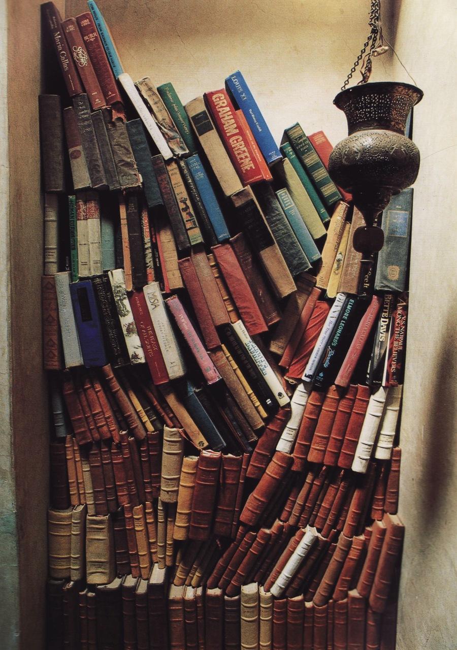 Moon To Bohemian Books