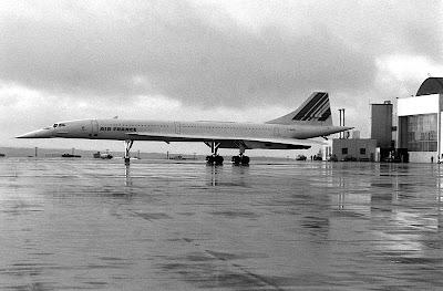 O concorde revolucionou a aviao mundial hangar do vinna no final da dcada de 1950 era de interesse das agncias americana francesa inglesa e sovitica a criao de uma aeronave supersnica de transporte de fandeluxe Images