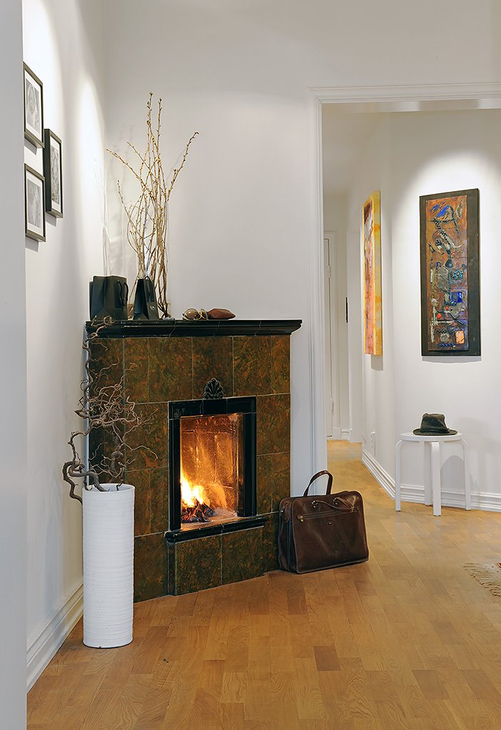 Decorating a corner fireplace native home garden design for Corner fireplace plans