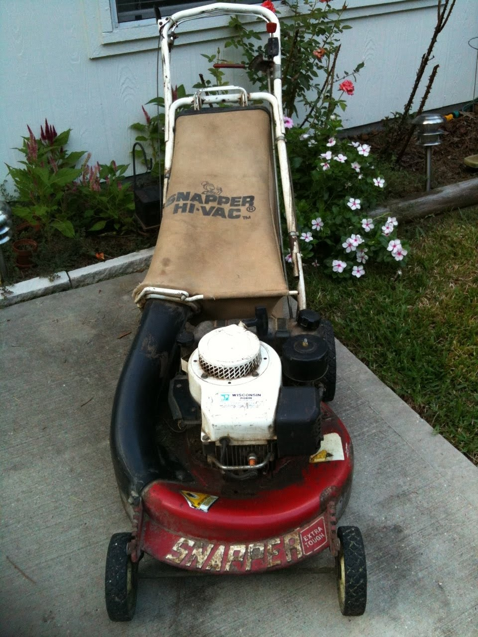 Old snapper lawn mower engine old free engine image for for Motor for lawn mower