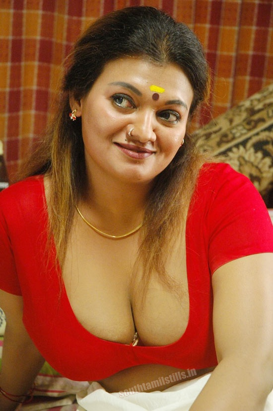 pic aunty sexy boobs