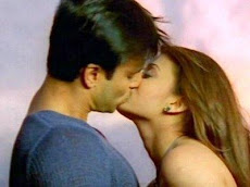 aish hot kiss pictures