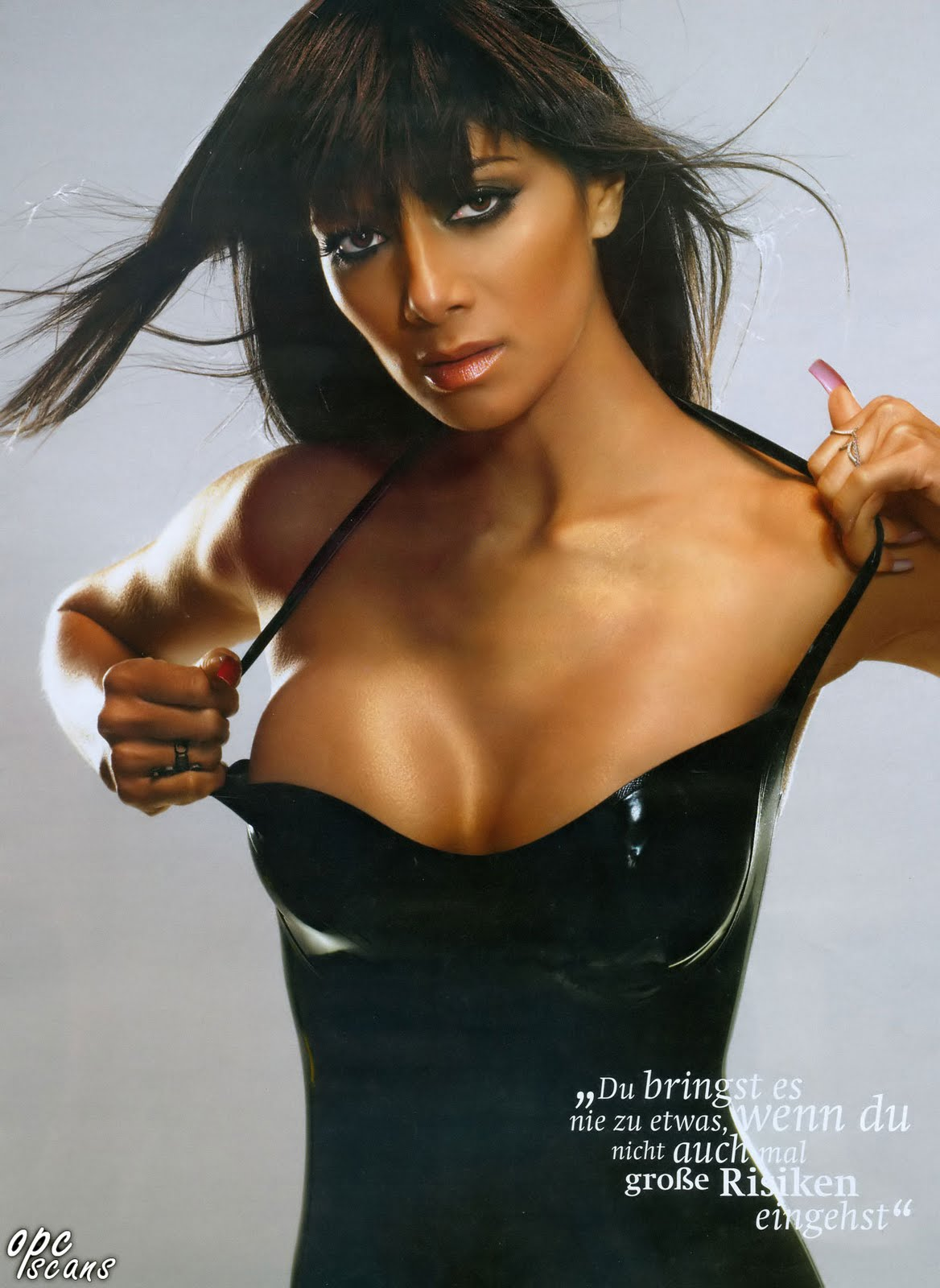 http://3.bp.blogspot.com/_iIGST2VS4mI/TU75dXP5wkI/AAAAAAAAAUA/xP9B7SS_qS8/s1600/Nicole-Scherzinger-Maxim-photoshoot.jpg