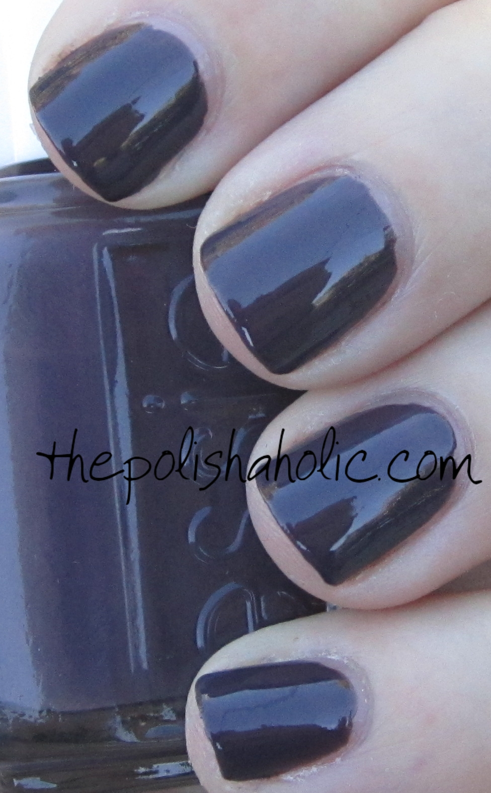 The PolishAholic: Essie- Smokin\' Hot