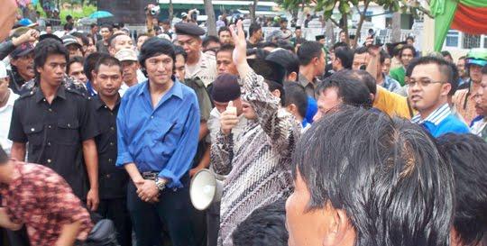 Suasana Arakan di Atas Mobil, Pilkada Lamsel, 2010