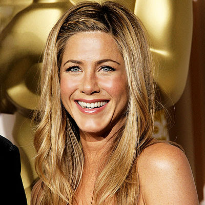 give me Jennifer Anistons hair color.