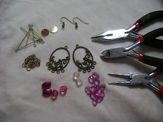 Trabajos en Bisuteria: collares, aretes, pulseras