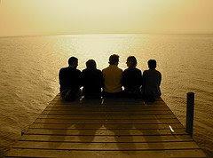 Dan ada masa kesunyian itu membuatkan kita tidak akan pernah lupa betapa bernilainya seorang TEMAN